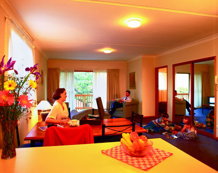 Oxley Court Serviced Apartments - Accommodation Tasmania