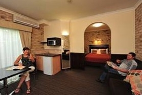 Highlander Motor Inn And Apartments - Accommodation Tasmania