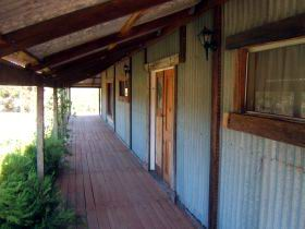 Pike River Woolshed - Accommodation Tasmania