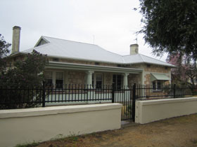 Naracoorte Cottages - MacDonnell House - Accommodation Tasmania