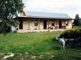 Mt Dutton Bay Woolshed Heritage Cottage - Accommodation Tasmania