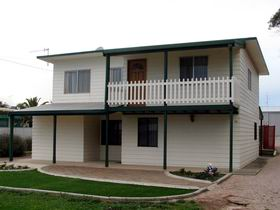 Louth Bay Holiday Apartment - Accommodation Tasmania