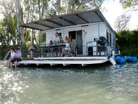 The Murray Dream Self Contained Moored Houseboat - Accommodation Tasmania