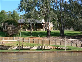 Roonka Riverfront Cottages - Accommodation Tasmania