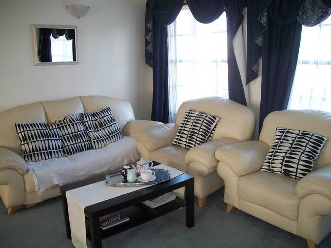 Beachside Apartment - Hove - Accommodation Tasmania