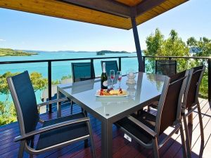 Hamilton Island 'Shorelines' Apartment - Accommodation Tasmania