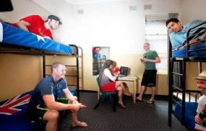 Maze Backpackers And Cb Hotel - Accommodation Tasmania