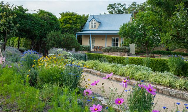 Vineyard Cottages and Cafe - Accommodation Tasmania