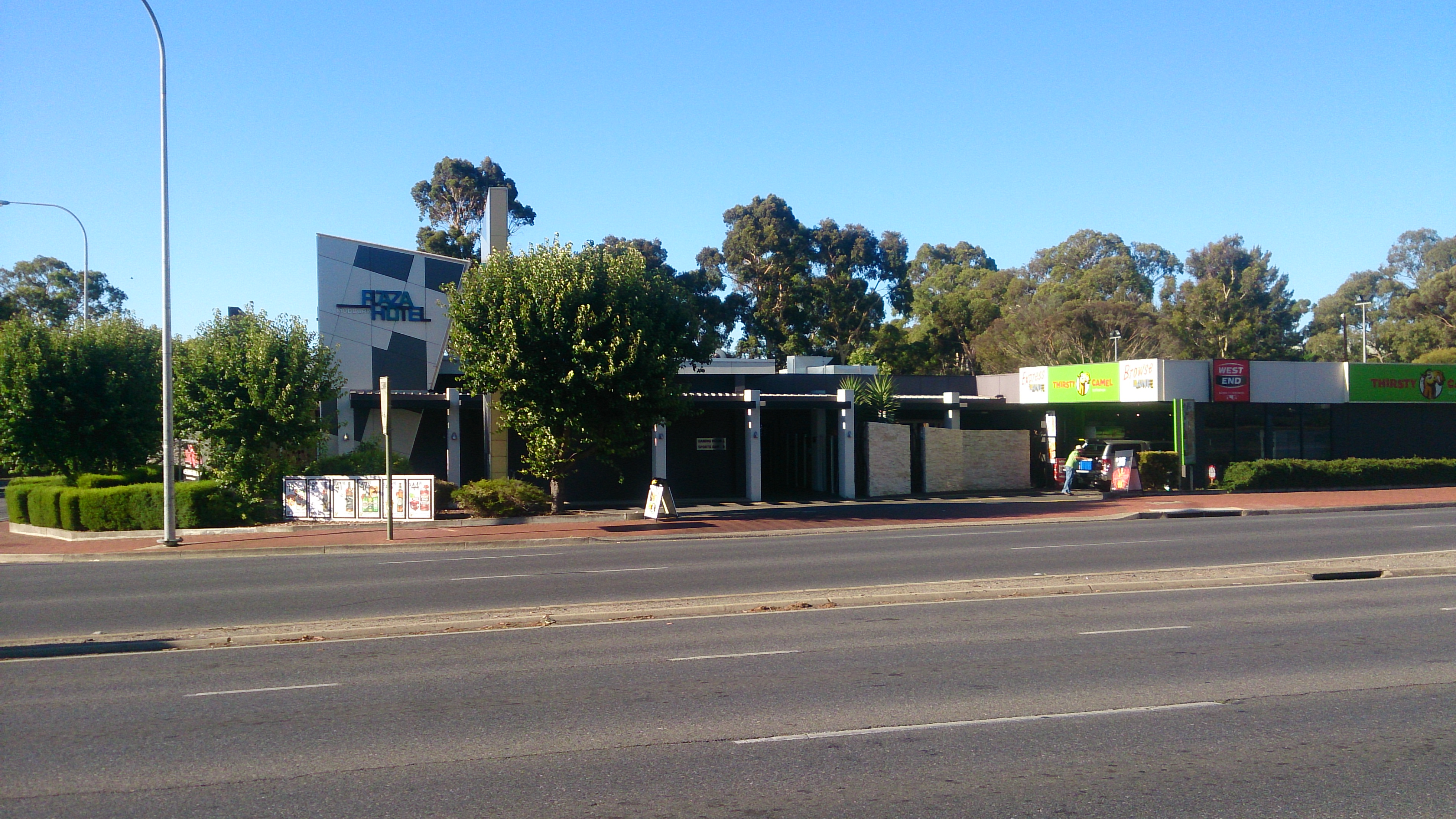 Modbury Plaza Hotel - Accommodation Tasmania