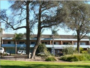Huskisson Beach Motel - Accommodation Tasmania