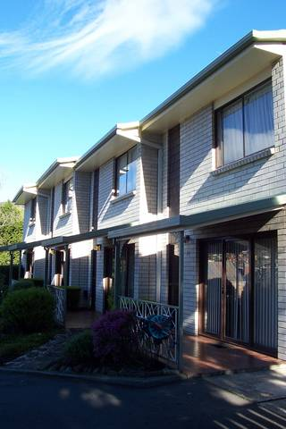 Davey Place Holiday Town Houses - Accommodation Tasmania