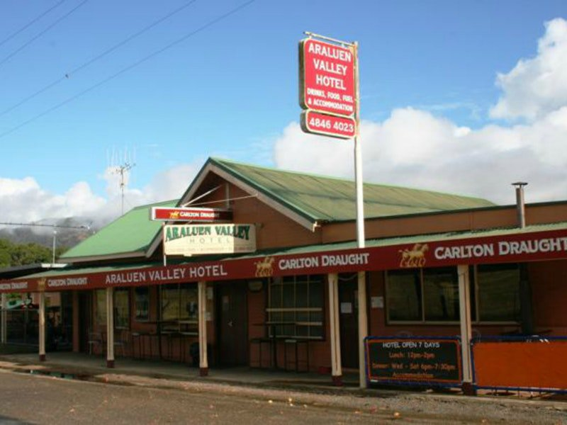 Araluen Hotel - Accommodation Tasmania