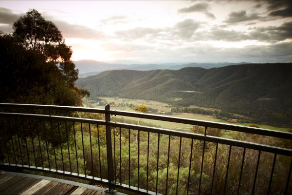Pizzini's Vineyard Guesthouse - Accommodation Tasmania