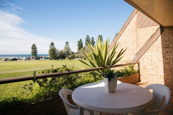 Reef Resort Apartments - Accommodation Tasmania
