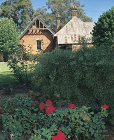 Heritage Rose Garden - Accommodation Tasmania
