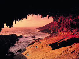 Admirals Arch - Accommodation Tasmania