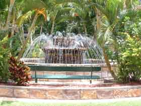 Bauer and Wiles Memorial Fountain - Accommodation Tasmania