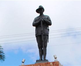 Charters Towers Memorial Cenotaph - Accommodation Tasmania