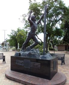 Miners Memorial Statue - Accommodation Tasmania