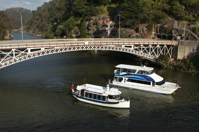 Batman Bridge 4 Hour Luncheon Cruise including sailing into the Cataract Gorge - Accommodation Tasmania