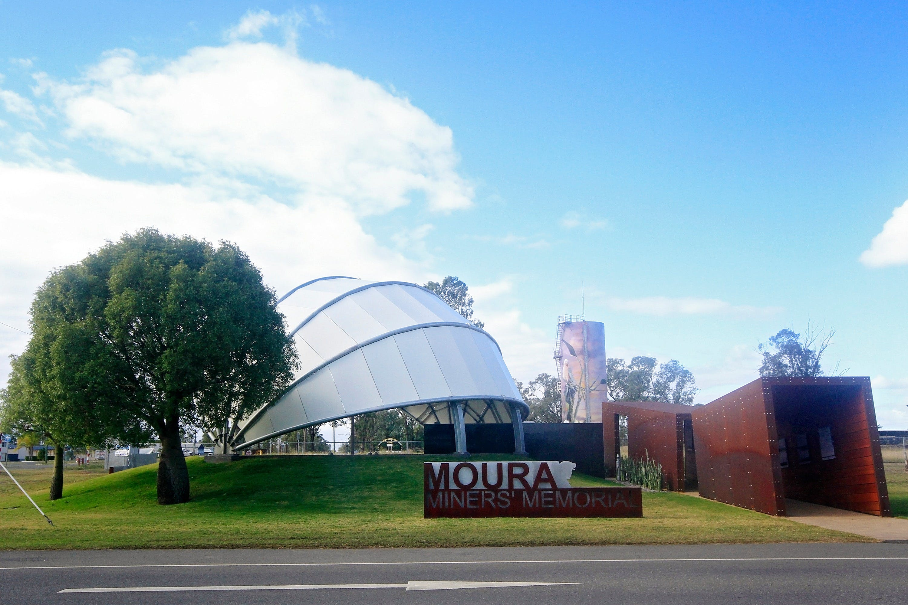 Moura - Accommodation Tasmania