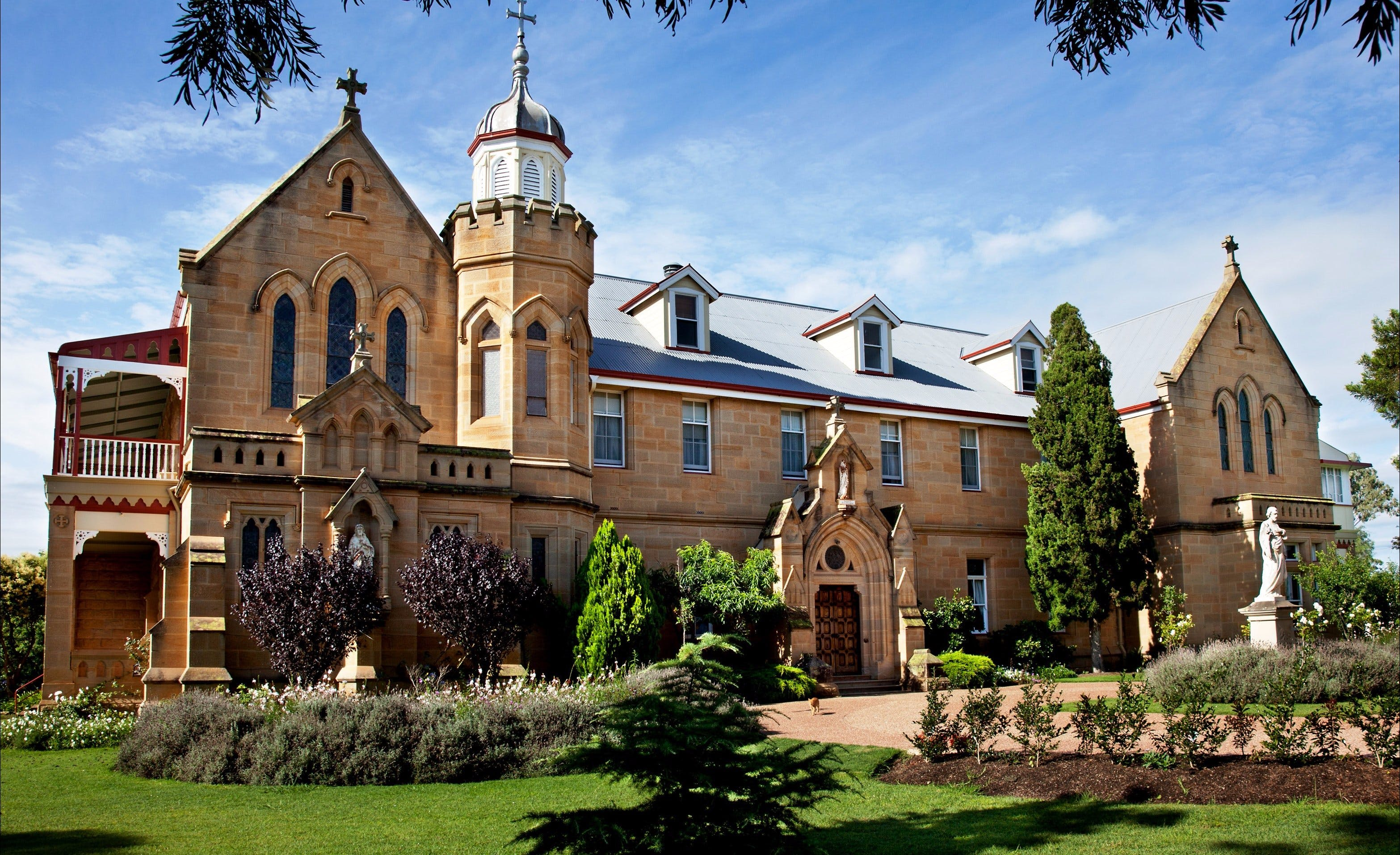 Abbey of the Roses - Accommodation Tasmania