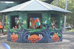 Howlong's Enchanted Hut - Accommodation Tasmania