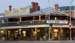 Coopers Alehouse at the Earl - Accommodation Tasmania