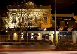 Crown and Sceptre Hotel - Accommodation Tasmania