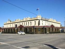 Soden's Australia Hotel - Accommodation Tasmania