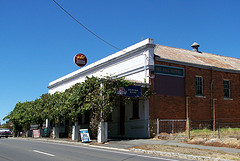 Red Hill Hotel - Accommodation Tasmania