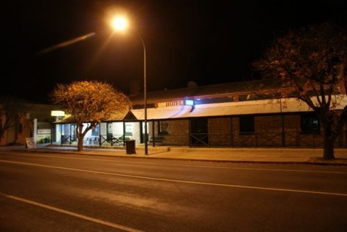 Riverton Hotel - Accommodation Tasmania