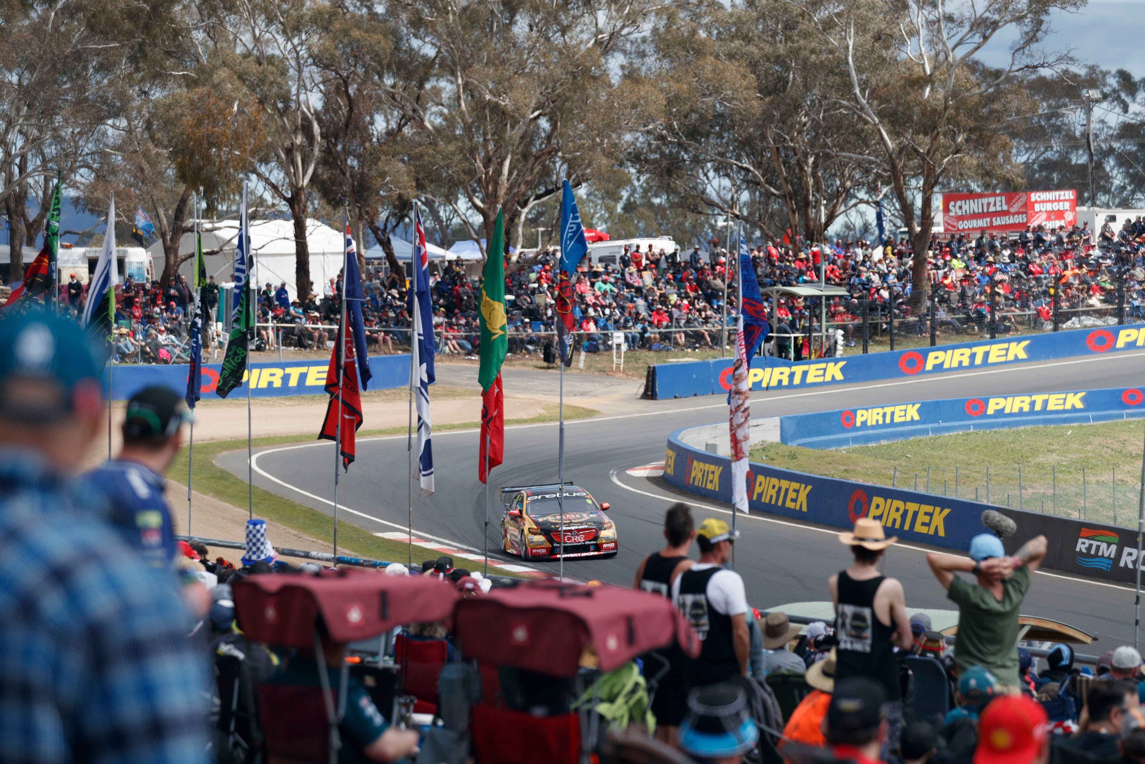 Supercars Supercheap Auto Bathurst 1000 - Accommodation Tasmania