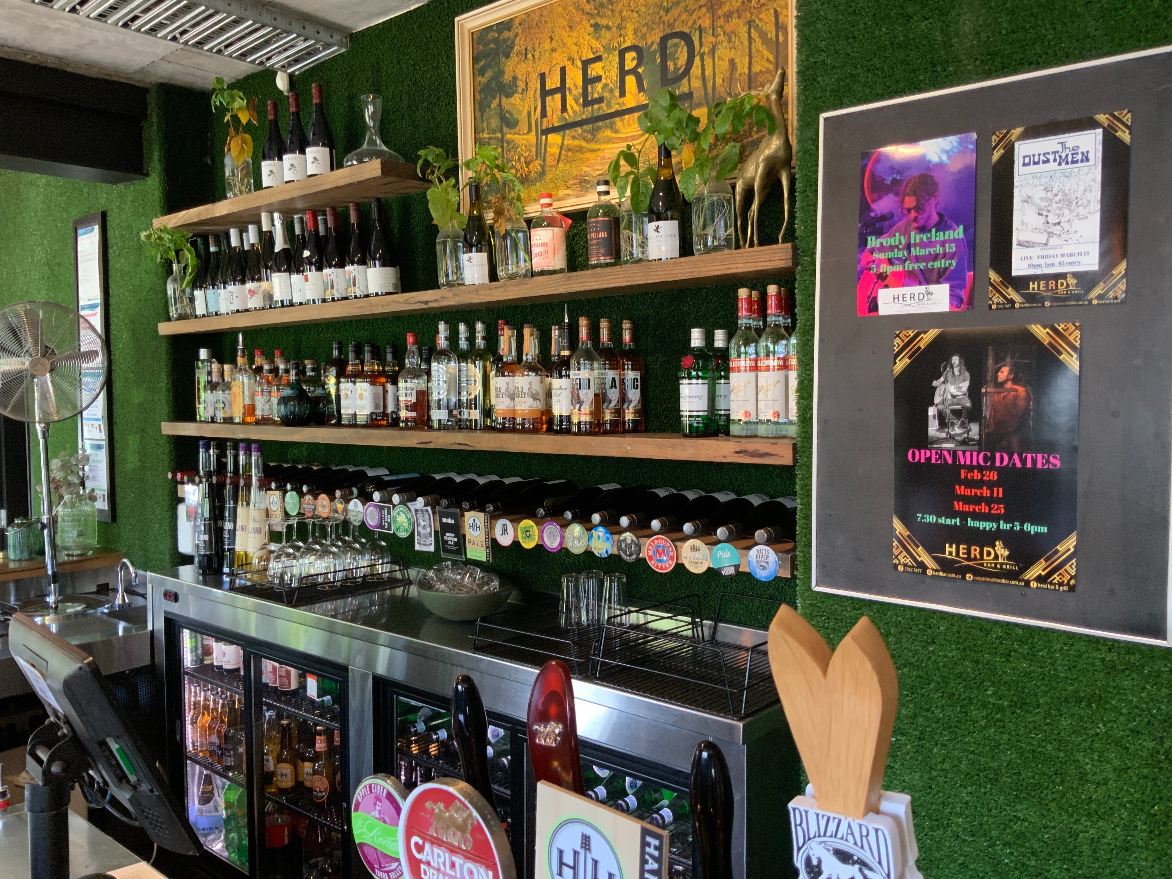 Open Mic at Herd Bar and Grill - Accommodation Tasmania