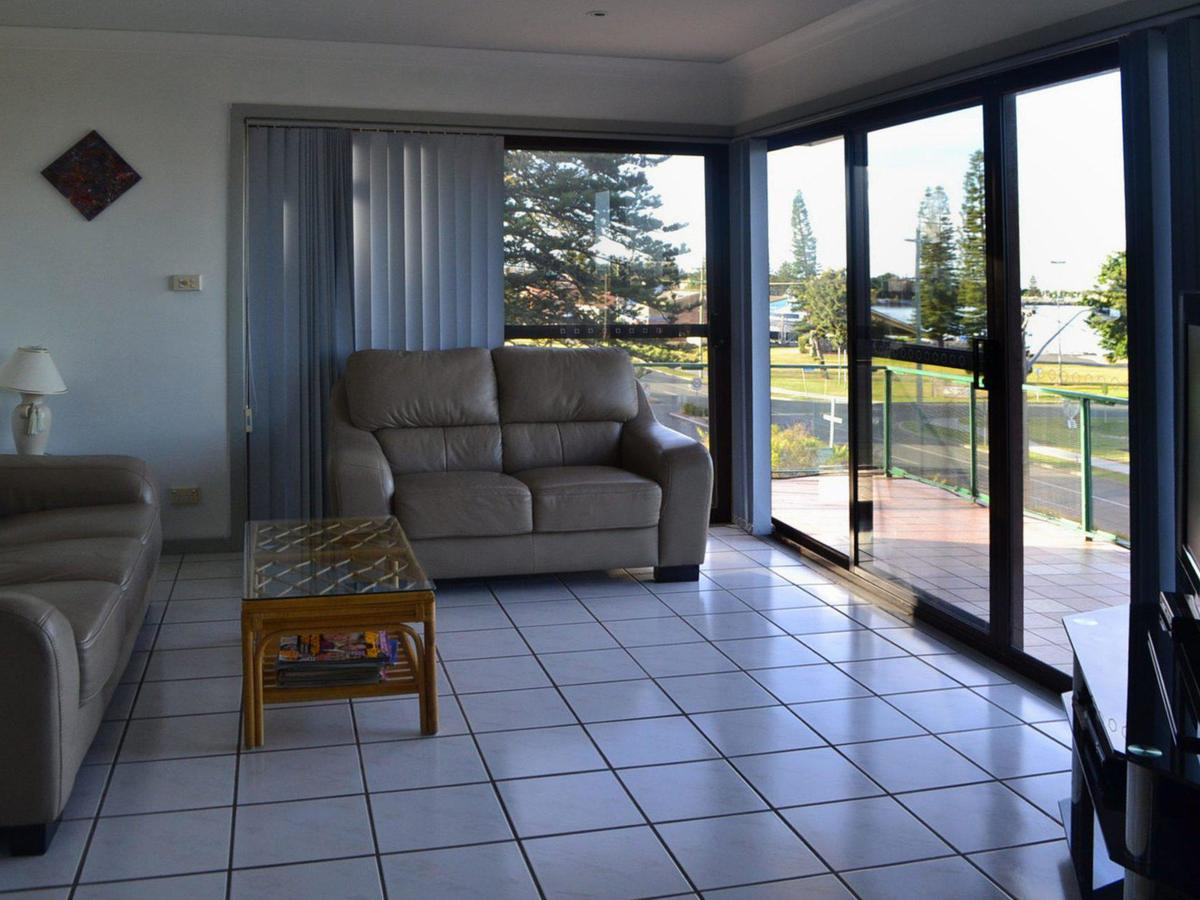Oxley 8 at Tuncurry - Accommodation Tasmania