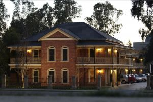 Carlyle Suites  Apartments - Accommodation Tasmania