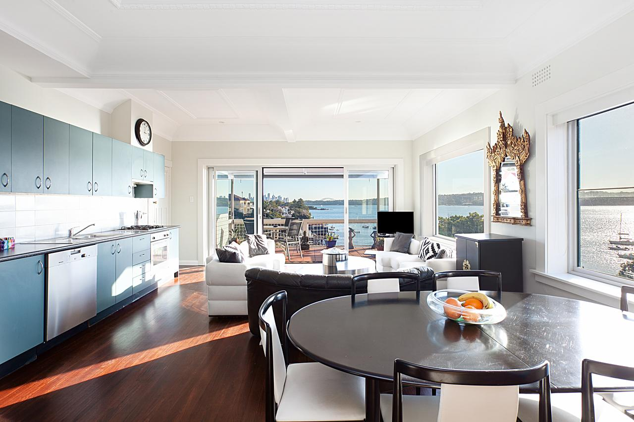 Art Deco Apartment With Breathtaking Water Views - Accommodation Tasmania