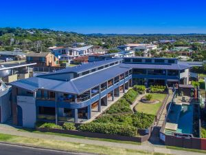 Lennox Holiday Apartments - Accommodation Tasmania