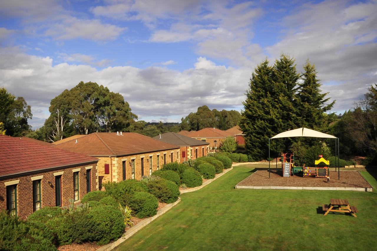 Country Club Villas - Accommodation Tasmania