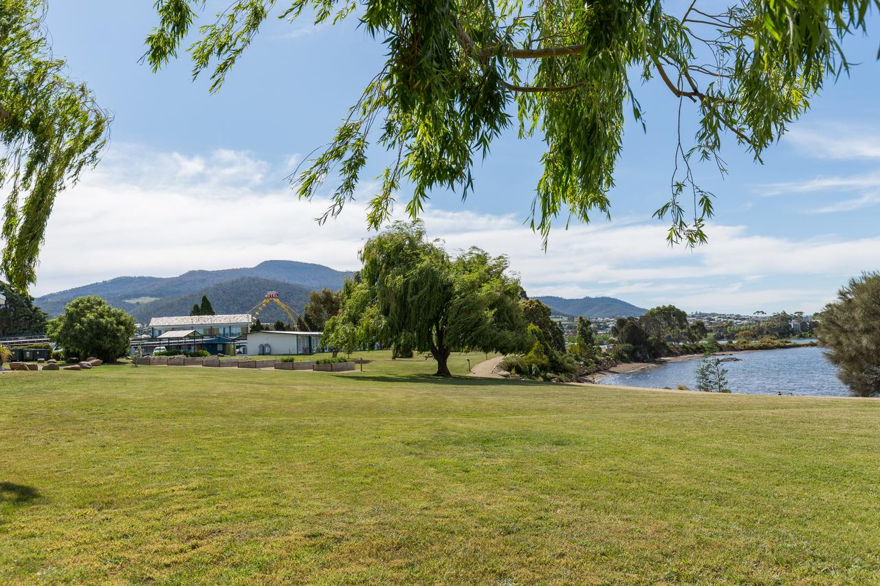 Riverfront Motel  Villas - Accommodation Tasmania