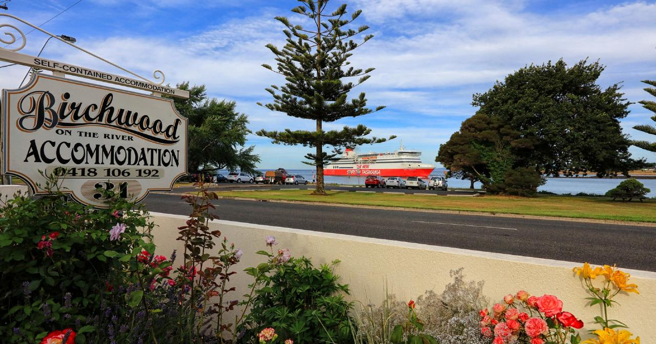 Birchwood Devonport self-contained self catering accommodation - Accommodation Tasmania