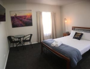 3ree- Spacious  Charming Apartment - Accommodation Tasmania