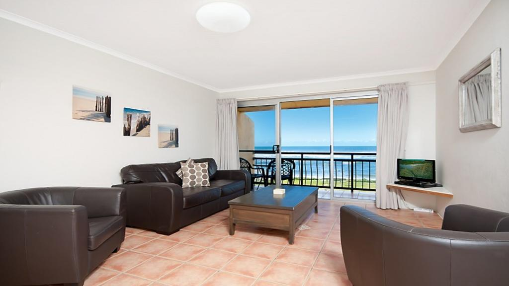 10T Beachfront Apartments - Accommodation Tasmania