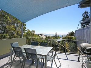 Angourie Blue 1 - Great Ocean Views - Surfing beaches - Accommodation Tasmania